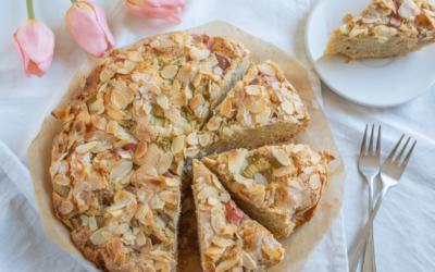 Rhabarberkuchen mit Mandelkruste