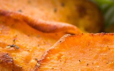 Süßkartoffeln mit Zwiebelringen